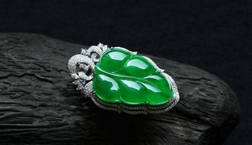 捕金手 I 翡翠饰品或将成珠宝主流